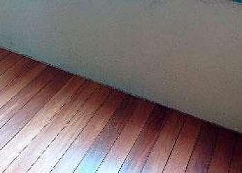 Colocação de piso táctil de pvc