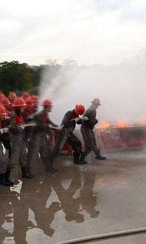 Formação de bombeiro civil