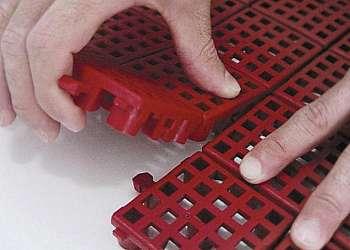 Piso plástico para vestiário