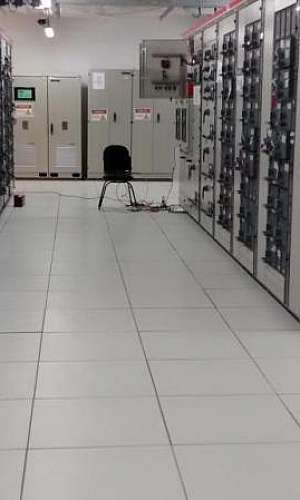 Piso elevado data center