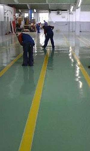 Revestimento epóxi de piso